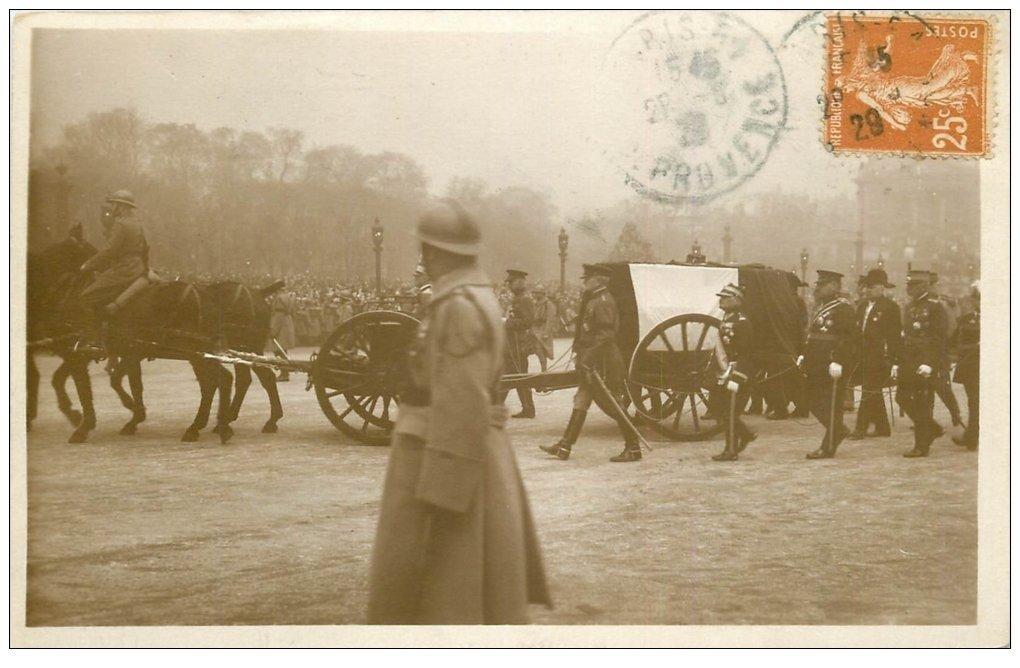 carte postale ancienne PARIS. Funérailles Maréchal Foch 1929. Place Concorde timbrée