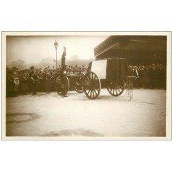 carte postale ancienne PARIS. Funérailles Maréchal Foch 1929. Poincaré aux Invalides