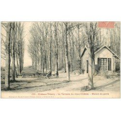 carte postale ancienne 02 CHATEAU-THIERRY. Maison du Garde terrasse du Château 1905