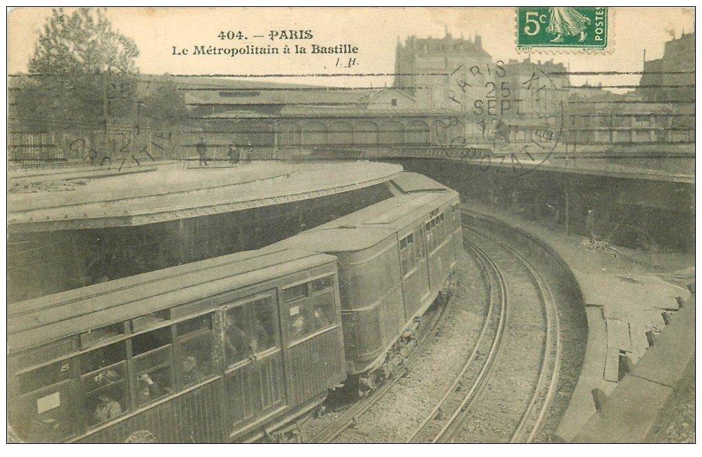 carte postale ancienne PARIS. Le Métropolitain. Station de la Bastille 1912