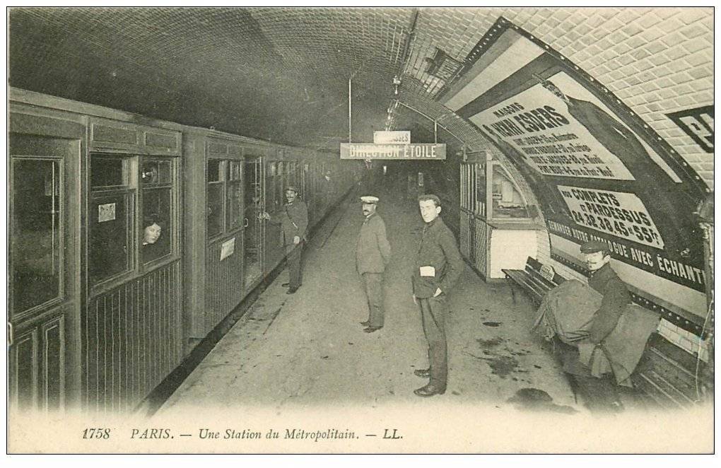 PARIS 15. Le Métropolitain. Station Pasteur avec Employés du métro