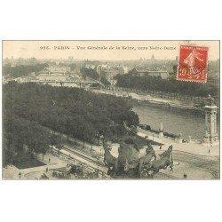 carte postale ancienne PARIS. Les Ponts et la Seine vers Notre-Dame. Ouvriers en dessous...