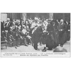 carte postale ancienne PARIS. Remise des diplômes aux Familles un 14 Juillet 1916