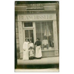 carte postale ancienne Superbe Carte Photo PARIS 04. Blanchisserie Brunet 43 Rue Saint-Merri