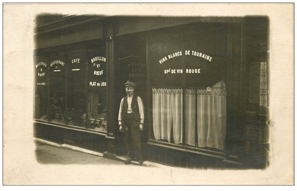 carte postale ancienne Superbe Carte Photo PARIS 08. Café Restaurant Barrioz Rue Miromesnil
