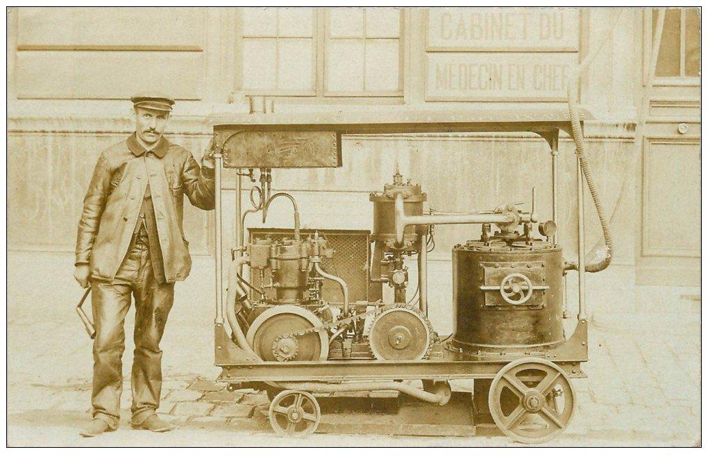 Superbe Carte Photo PARIS 09. Rare un des premiers Compresseur à vapeur à l'Hôpital 1906. Société 80 Rue Taibout