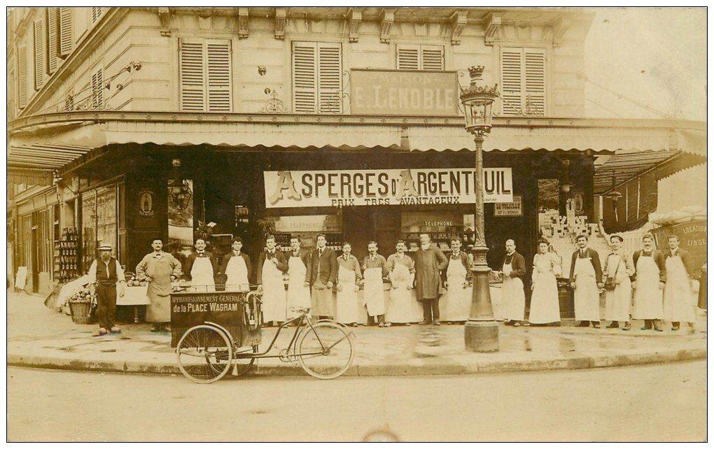 carte postale ancienne Superbe Carte Photo PARIS 17. Comestibles Traiteur Lenoble Rue Ampère avec triporteur Place Wagram