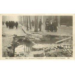 carte postale ancienne INONDATION DE PARIS 1910. Boulevard Haussmann effondrement de la Chaussée