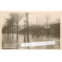carte postale ancienne INONDATION DE PARIS 1910. Hôpital Boucicaut Rue de la Convention attelages