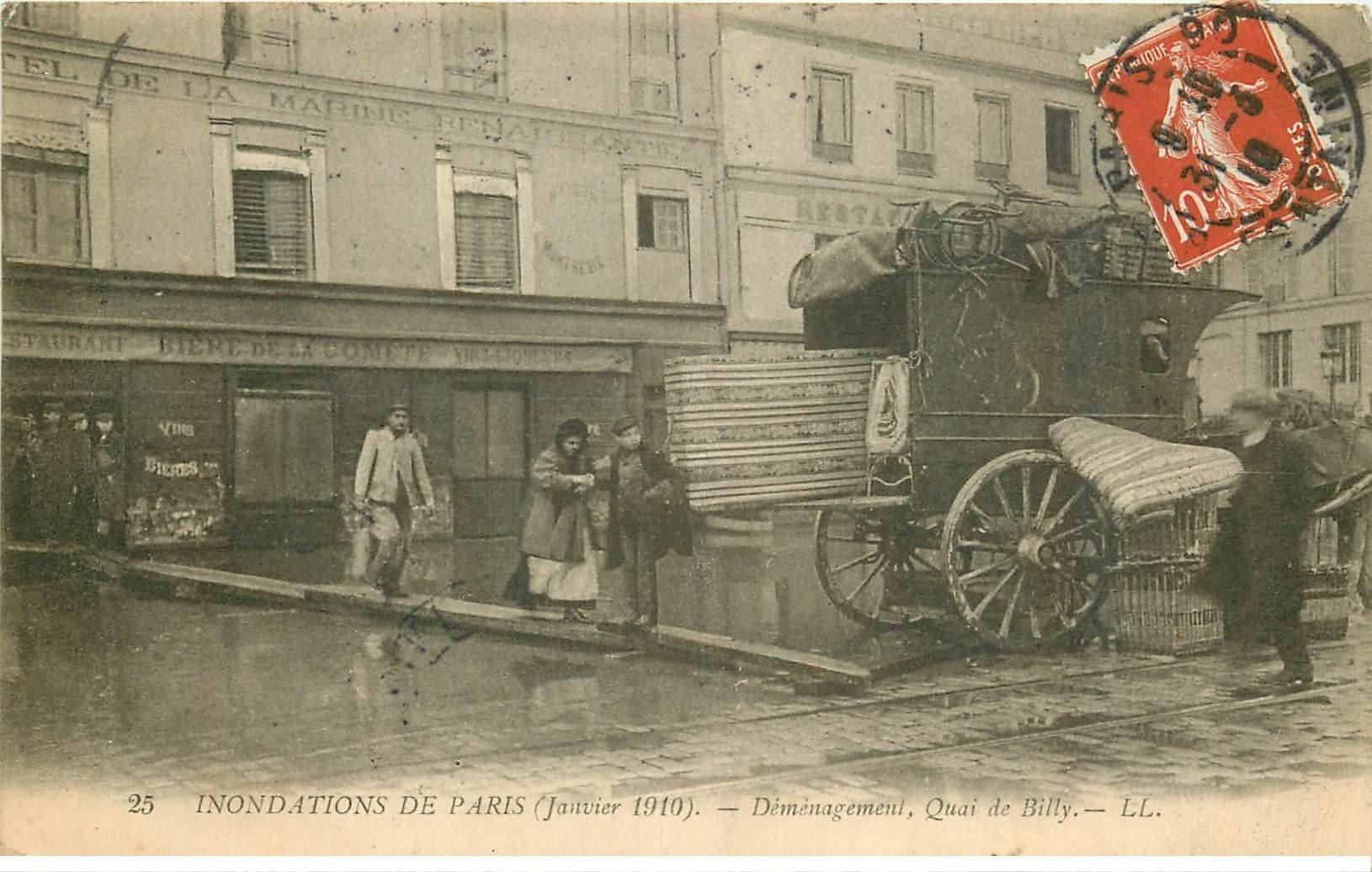 carte postale ancienne INONDATION DE PARIS 1910. Déménagement Quai de Billy