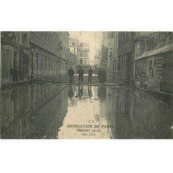 carte postale ancienne INONDATION DE PARIS 1910. Rue Cler