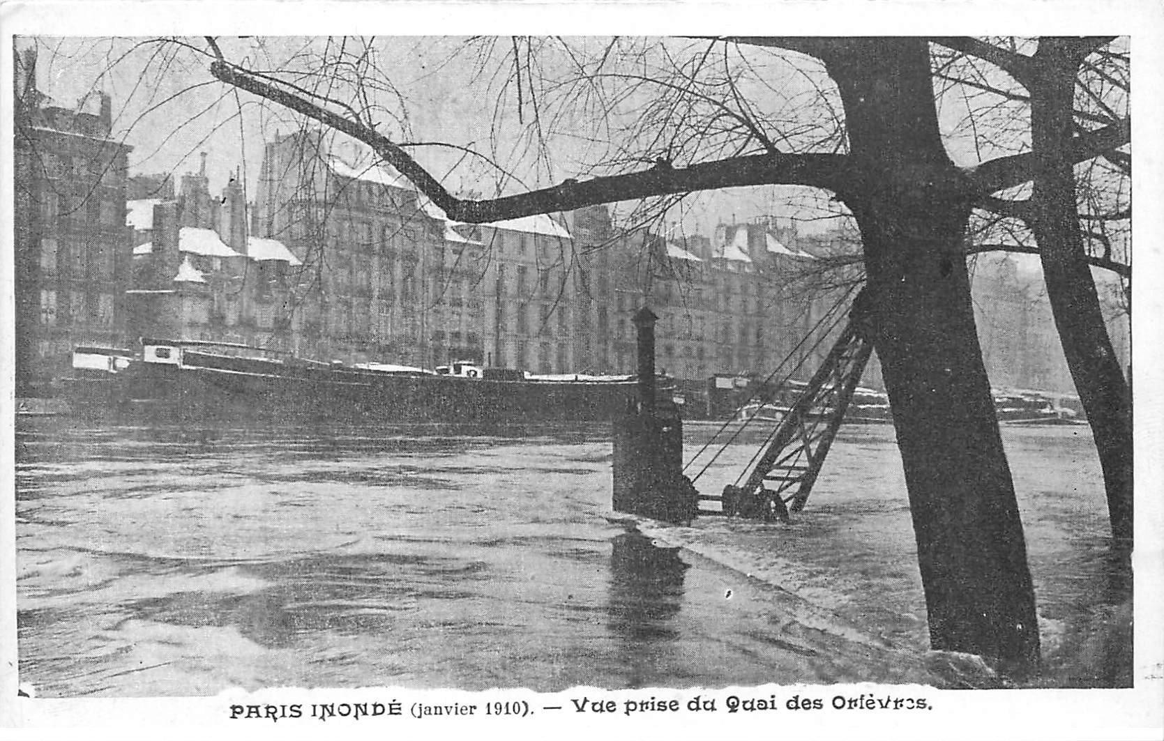 carte postale ancienne INONDATION DE PARIS 1910. Quai des Orfèvres. Collection Taride
