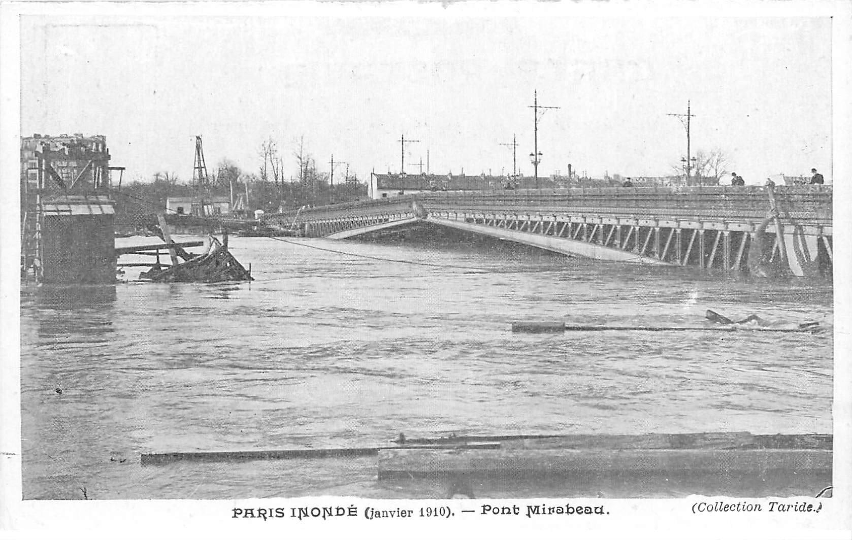 carte postale ancienne INONDATION DE PARIS 1910. Pont Mirabeau. Collection Taride