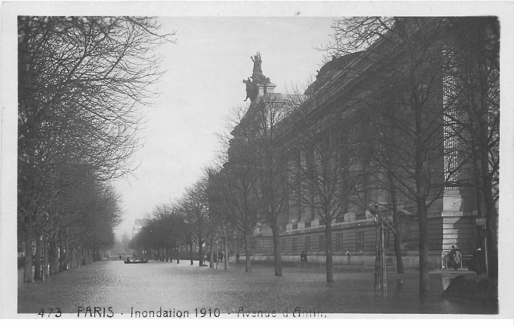 carte postale ancienne INONDATION DE PARIS 1910. Avenue d'Antin. Edition Rose.