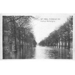 carte postale ancienne INONDATION DE PARIS 1910. Avenue Montaigne. Edition Rose.