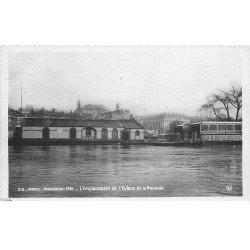 carte postale ancienne INONDATION DE PARIS 1910. Ecluse de la Monnaie. Edition Rose. Petite restauration coin gauche