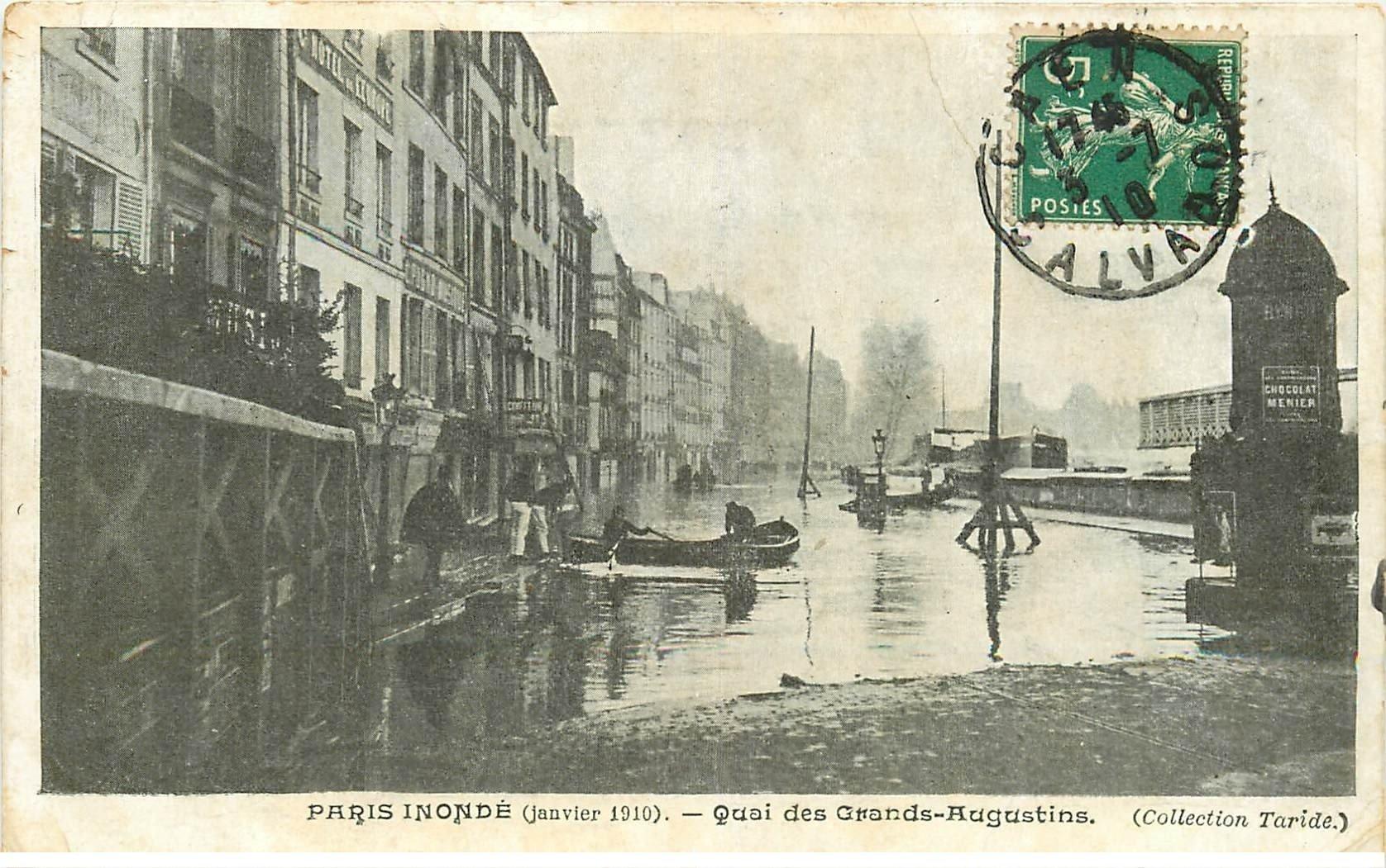 carte postale ancienne INONDATION DE PARIS 1910. Quai Grands Augustins. Collection Taride