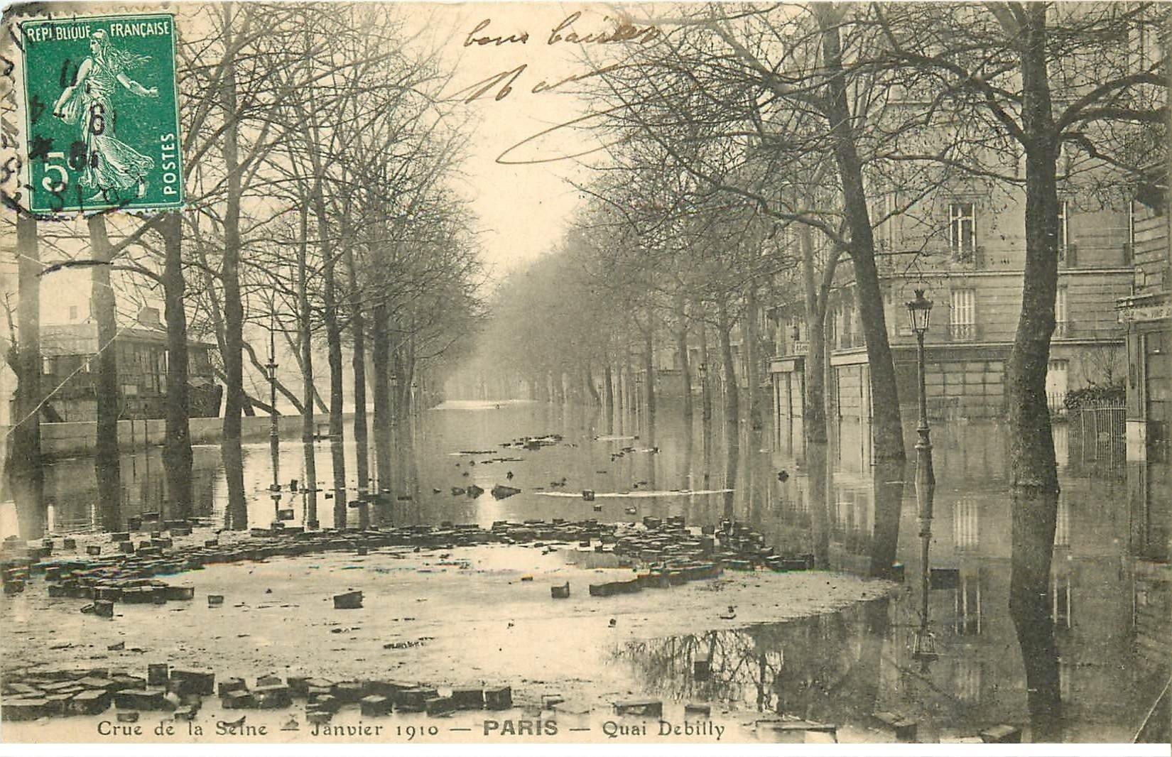 carte postale ancienne INONDATION DE PARIS 1910. Quai Debilly