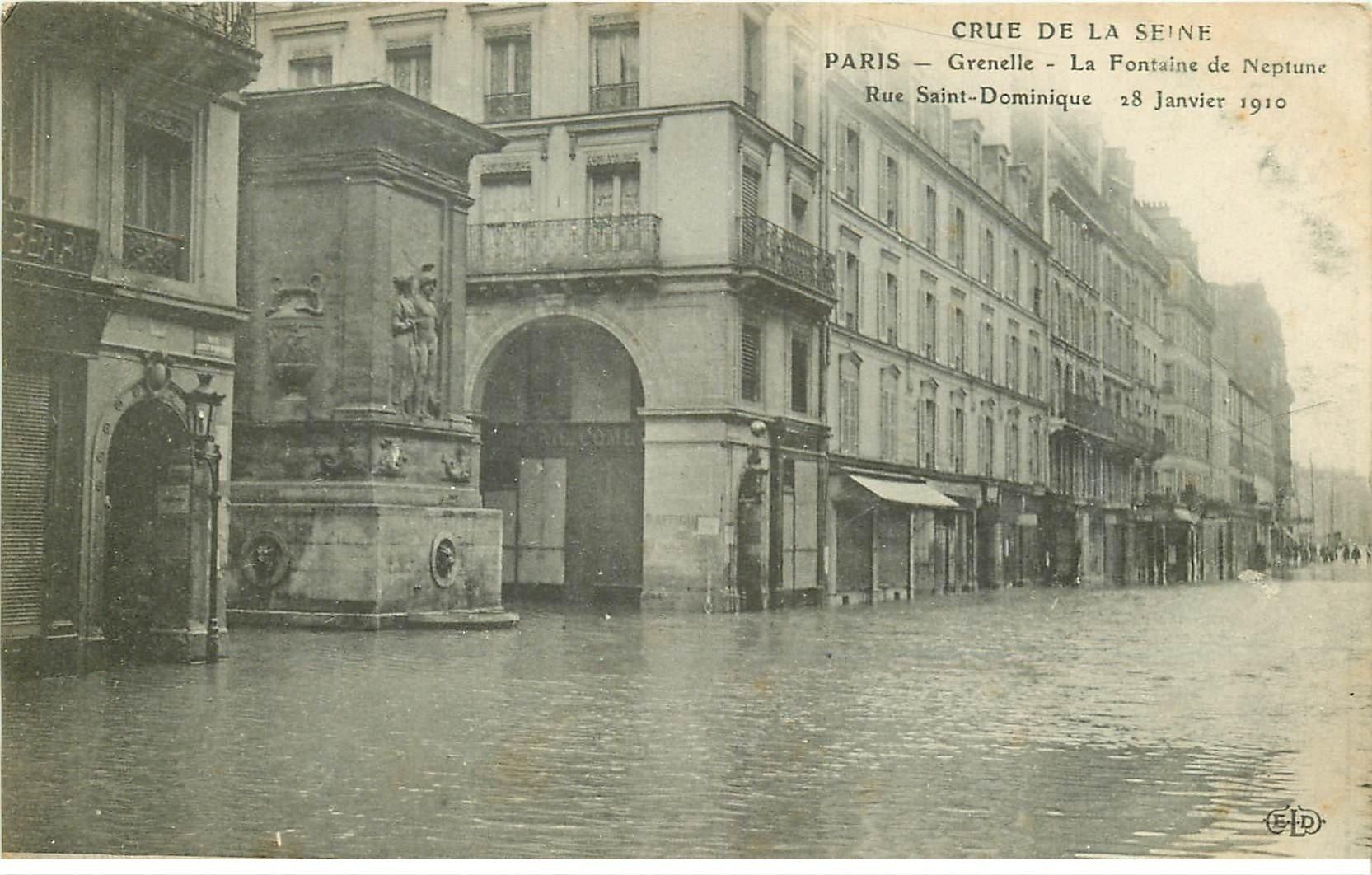 carte postale ancienne INONDATION ET CRUE DE PARIS 1910. Rue Saint-Dominique Fontaine Neptune