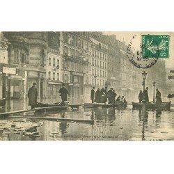 carte postale ancienne INONDATION ET CRUE DE PARIS 1910. Rue de Lyon
