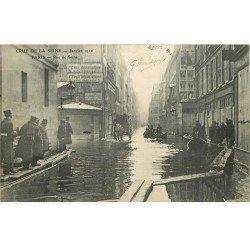carte postale ancienne INONDATION ET CRUE DE PARIS 1910. Rue de Seine