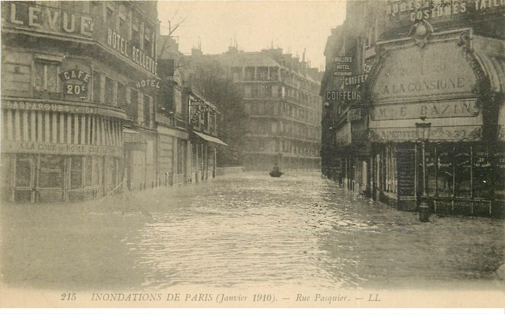 INONDATION ET CRUE DE PARIS 1910. Rue Pasquier Café A la Cour de Rome