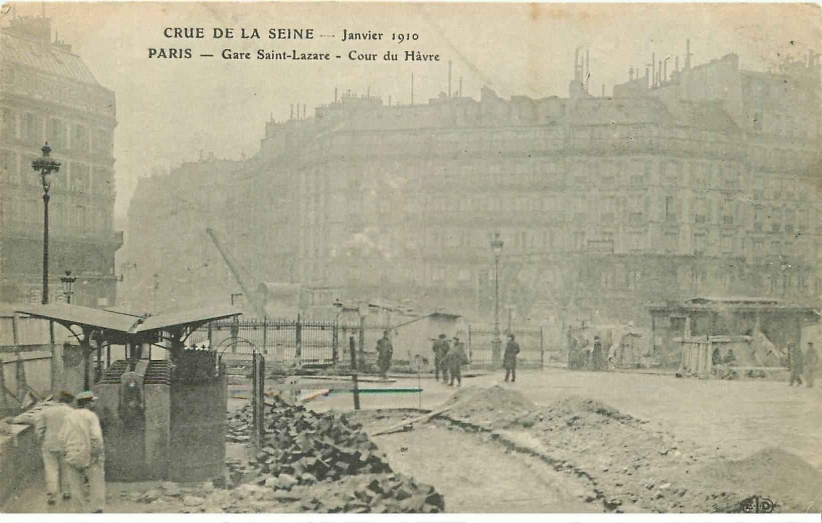 carte postale ancienne INONDATION ET CRUE DE PARIS 1910. Cours du Havre Gare Saint-Lazare