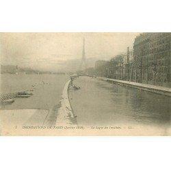 carte postale ancienne INONDATION ET CRUE DE PARIS 1910. La Ligne des Invalides