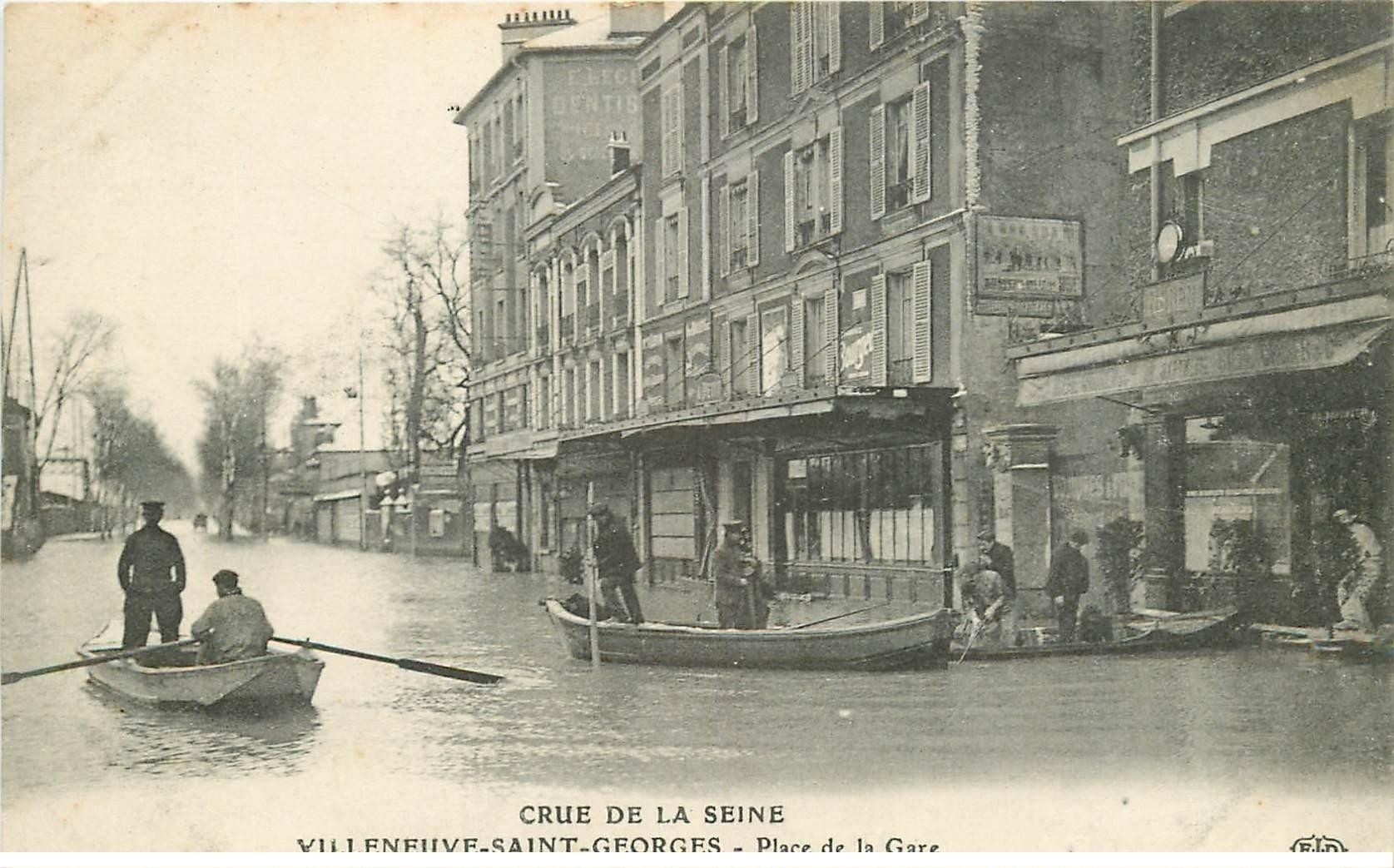 carte postale ancienne Inondation et Crue de 1910. VILLENEUVE-SAINT-GEORGES 94. Place de la Gare