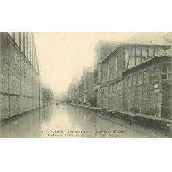 carte postale ancienne Inondation et Crue de 1910. ROUEN 76. Ile Lacroix Rue Centrale