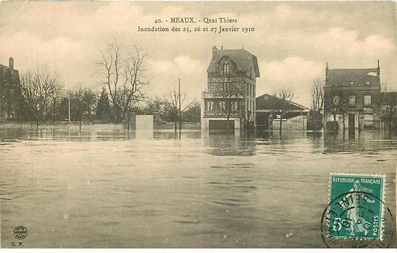 carte postale ancienne Inondation et Crue de 1910. MEAUX 77. Quai Thiers