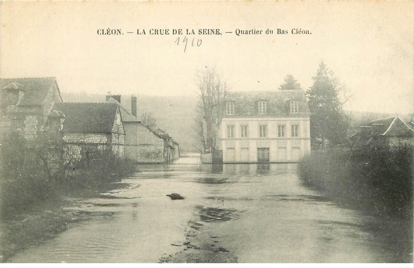 carte postale ancienne Inondation et Crue de 1910. CLEON 76. Quartier du Bas Cléon