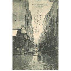 carte postale ancienne Inondation et Crue de 1910. MACON 71. Rue Carnot