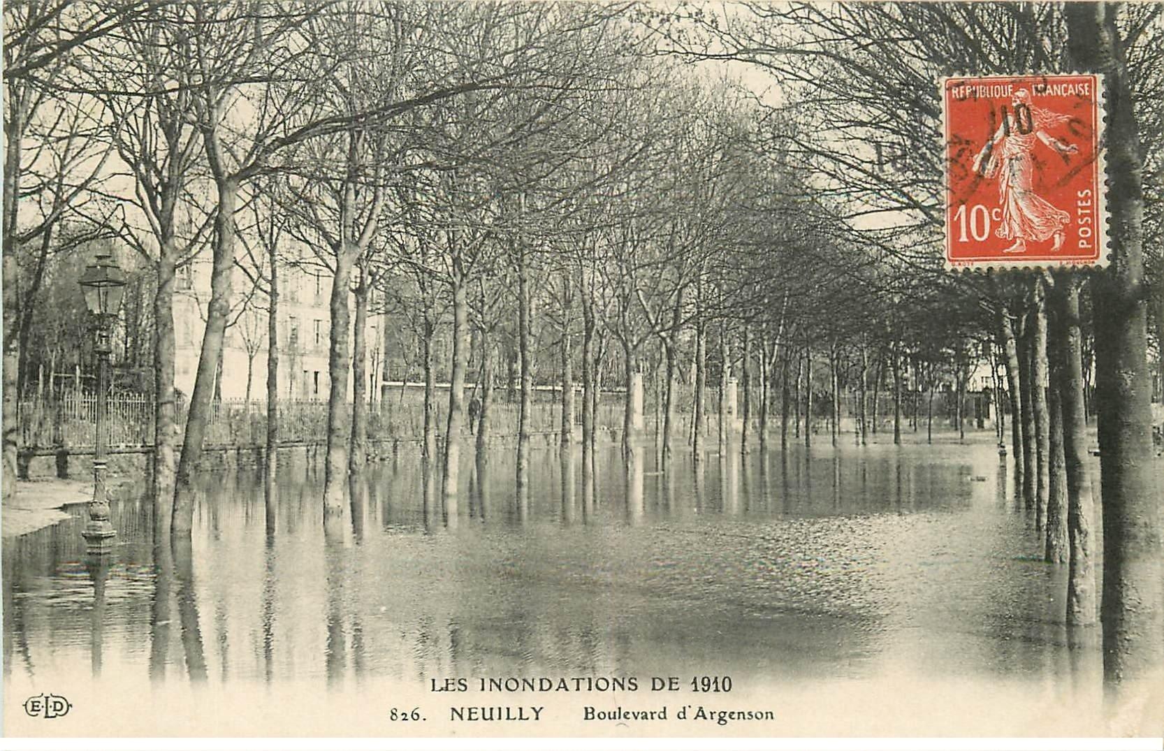 carte postale ancienne Inondation et Crue de 1910. NEUILLY 92. Boulevard Argenson