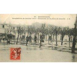 carte postale ancienne Inondation et Crue de 1910. ARGENTEUIL 95. Place du Marché passerelle