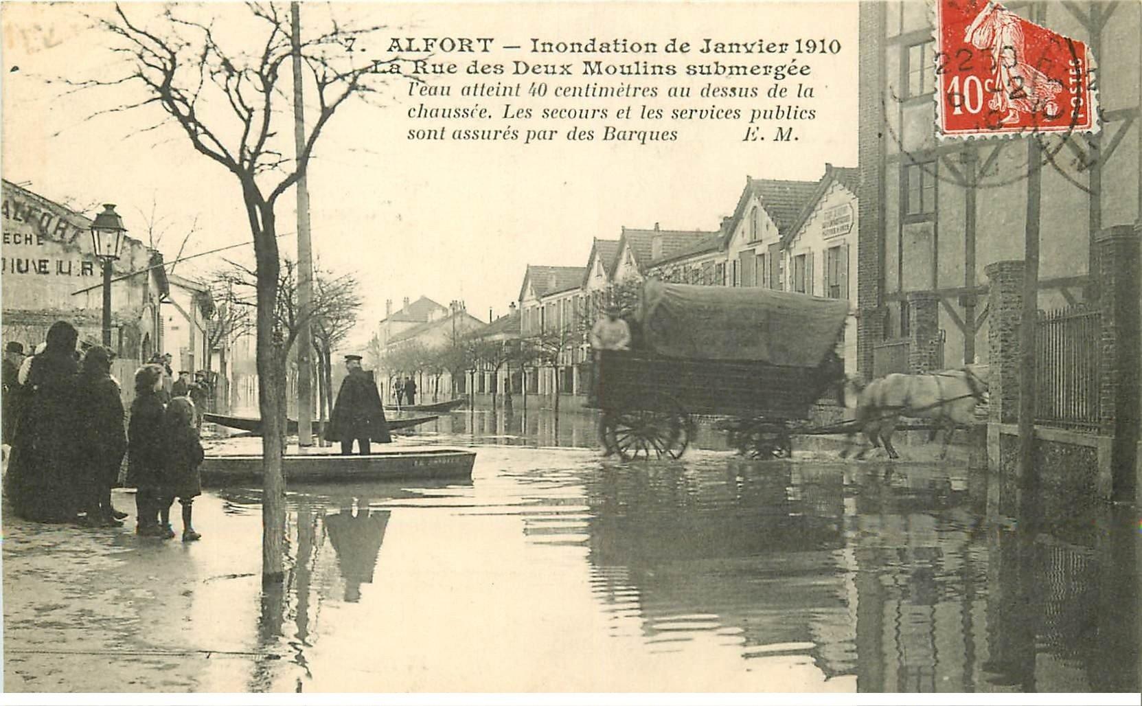 carte postale ancienne Inondation et Crue de 1910. ALFORT 94. Rue des Deux Moulins