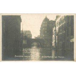 carte postale ancienne Inondation et Crue de 1910. ASNIERES 92. Avenue Courbevoie les Voûtes. Carte Photo