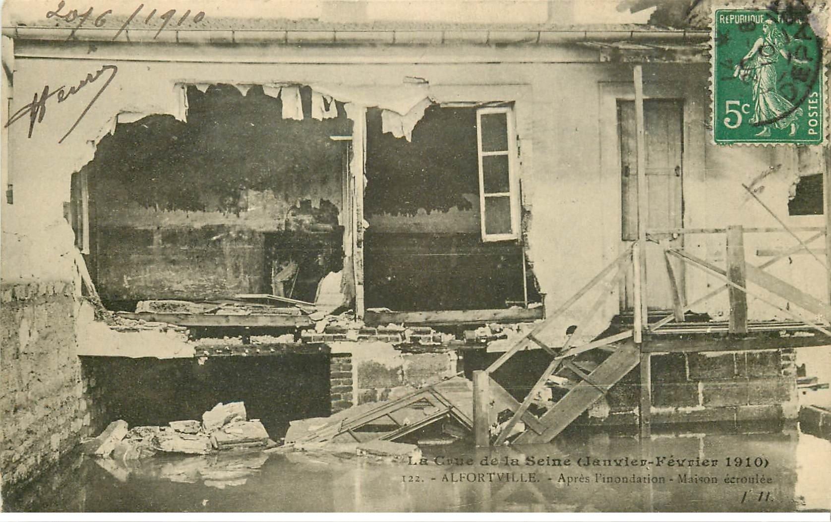 carte postale ancienne Inondation et Crue de 1910. ALFORTVILLE 94. Maison écroulée