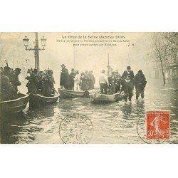 carte postale ancienne Inondation et Crue de 1910. MAISONS-ALFORT 94. Pontonniers secouristes