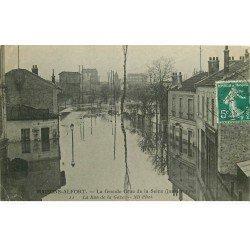 carte postale ancienne Inondation et Crue de 1910. MAISONS-ALFORT 94. Rue de la Gare