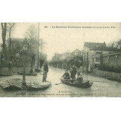 Inondation et Crue de 1910. ALFORT 94. Rue des Deux-Moulins barques de sauvetage Restaurant 7 Arbres