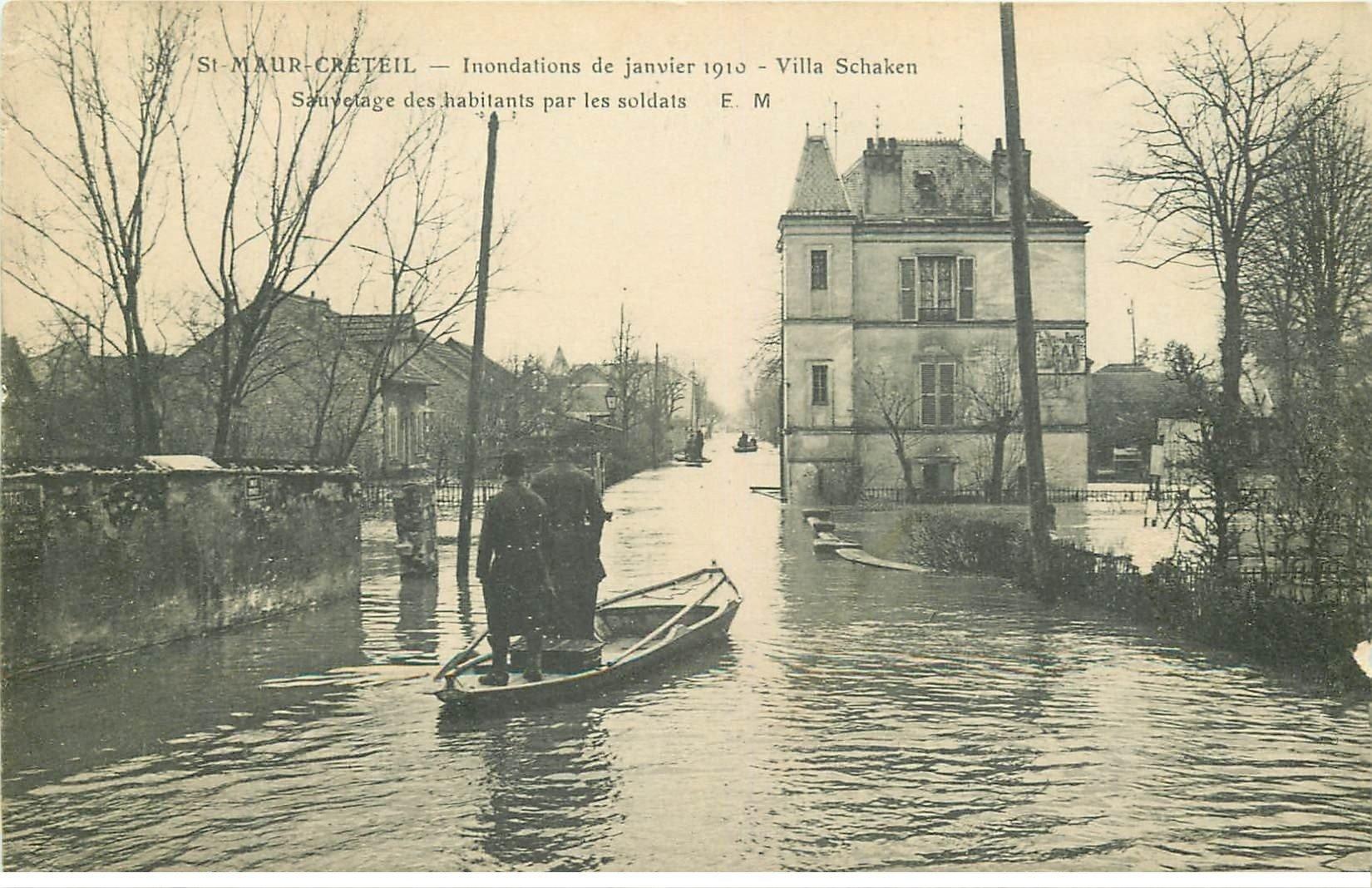 carte postale ancienne Inondation et Crue de 1910. SAINT-MAUR 94. Villa Schacken Militaires Sauveteurs