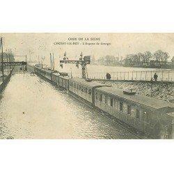 carte postale ancienne Inondation et Crue de 1910. CHOISY-LE-ROI 94. Train l'Express de Limoges