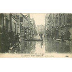 carte postale ancienne Inondation et Crue de 1910. VILLENEUVE-SAINT-GEORGES 94. La Rue de Paris