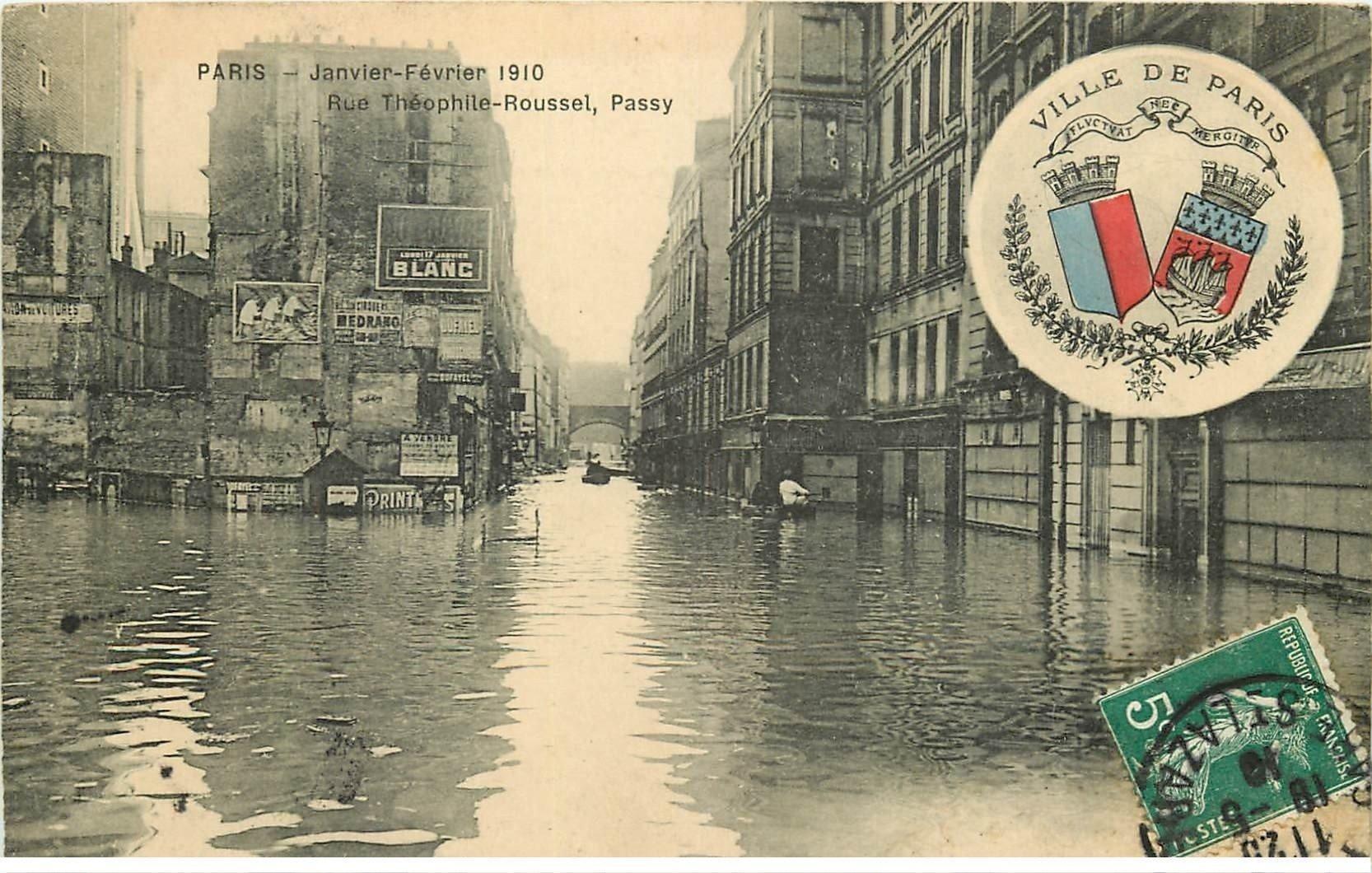 carte postale ancienne Inondation et Crue de PARIS 1910. Rue Théophile Roussel et Passy