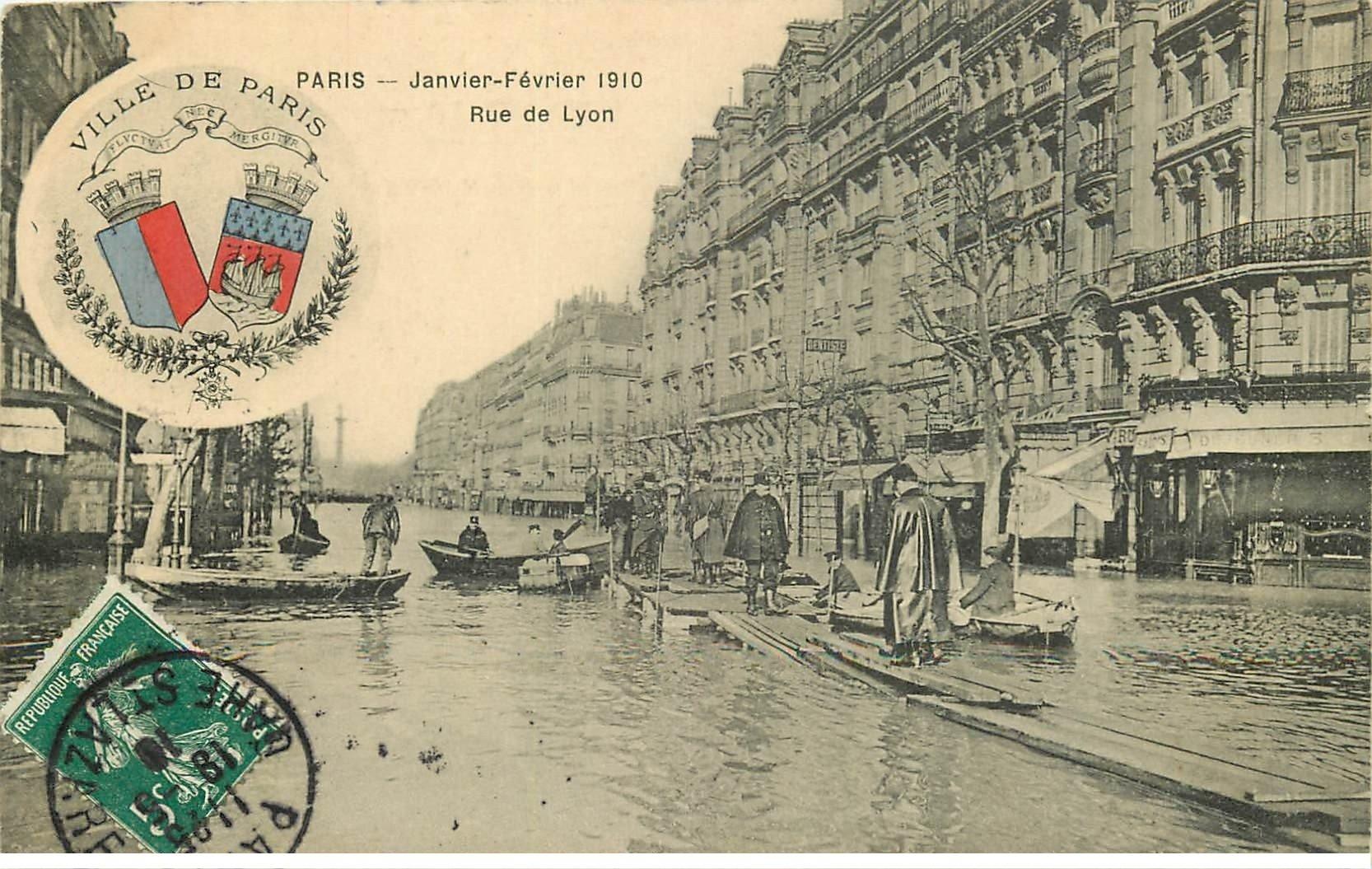 carte postale ancienne Inondation et Crue de PARIS 1910. Rue de Lyon. Edition B.G