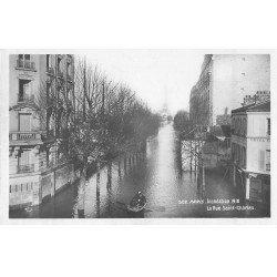 carte postale ancienne Inondation et Crue de PARIS 1910. Hôtel rue Saint-Charles. Carte Photo Ed. Rose
