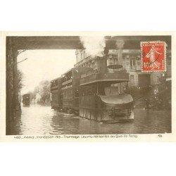 carte postale ancienne Inondation et Crue de PARIS 1910. Tramway à vapeur Louvres-Versailles. Carte Photo Ed. Rose