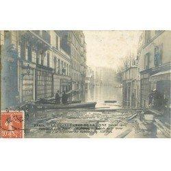 carte postale ancienne Inondation et Crue de PARIS 1910. Soldats 1° Génie Rue Gros à Auteuil. Carte Photo