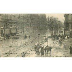 carte postale ancienne INONDATION ET CRUE PARIS 1910. Boulevard Haussmann
